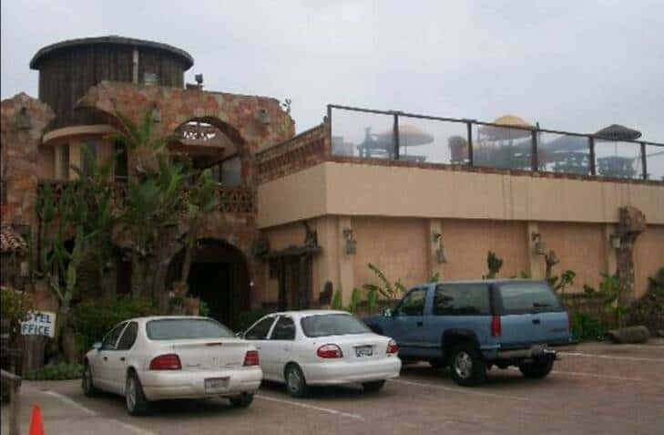 Take A Tijuana Dental Vacation At Los Pelicanos Hotel In Rosarito Who Says That Going To The Dentist Mexico Can T Be Wonderful Experience